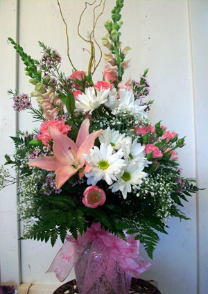 Shonnard's Florist bouquet for Mother's Day with lilies, daisies and snapdragons that  benefits breast cancer awareness and Project H.E.R.